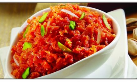 ये रीत से आपके घर में बनाए स्वादिष्ट गाजर का हलवा, स्वाद ऐसा की आप उंगलियां चाटते रह जाएंगे