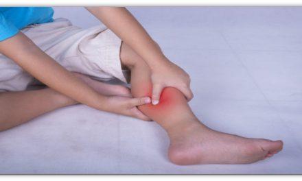 रात में सोते समय पैर मे दर्द या ऐंठन होता है। इस उपाय करने से 100% हमेशा के लिए शांति हो जाएगी।