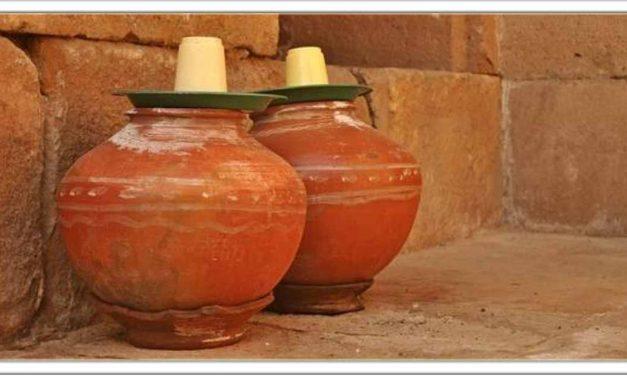 मिट्टी के मटके का पानी पीने से होते है लाजबाज फायदे, सेहत के लिए अमृत समान है, PH बेलेन्स रहता है।