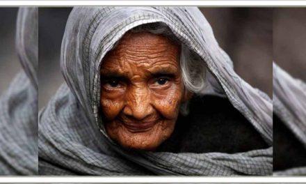 बूढ़ी मा की भावुक कहानी, सुनकर रो पड़ेंगे आप भी
